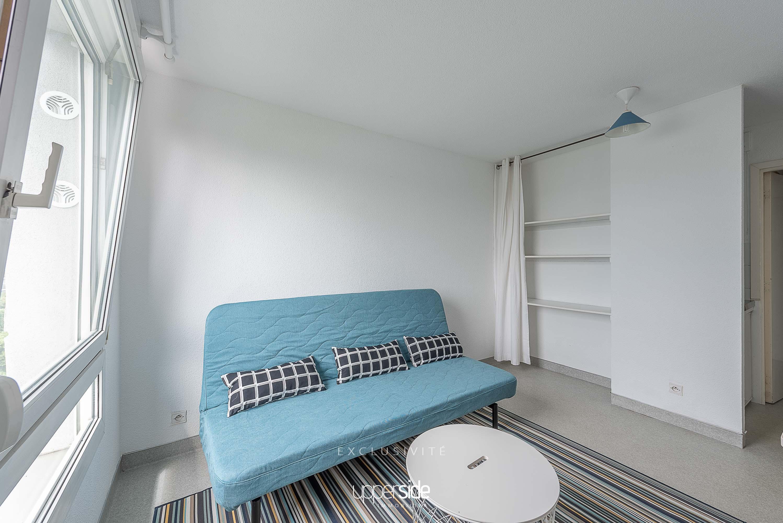 COLESS – Agréable studio meublé avec vue dégagée Image
